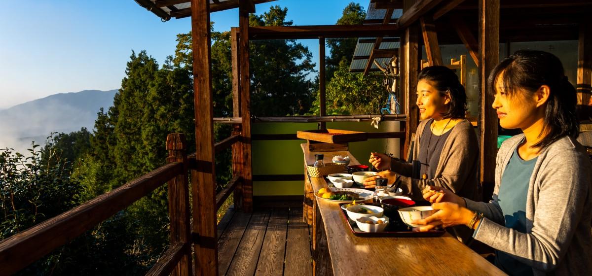 雲海展望台での朝食プラン、好評販売中!