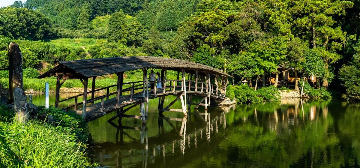 弓削神社の太鼓橋(石畳地区)